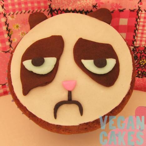 cupcake grumpy cat