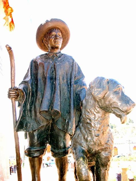 Monumento em homenagem a Nevado e seu tutor Tinjacá na Plaza Bolívar de Mucuchíes (Foto: Wikipedia)